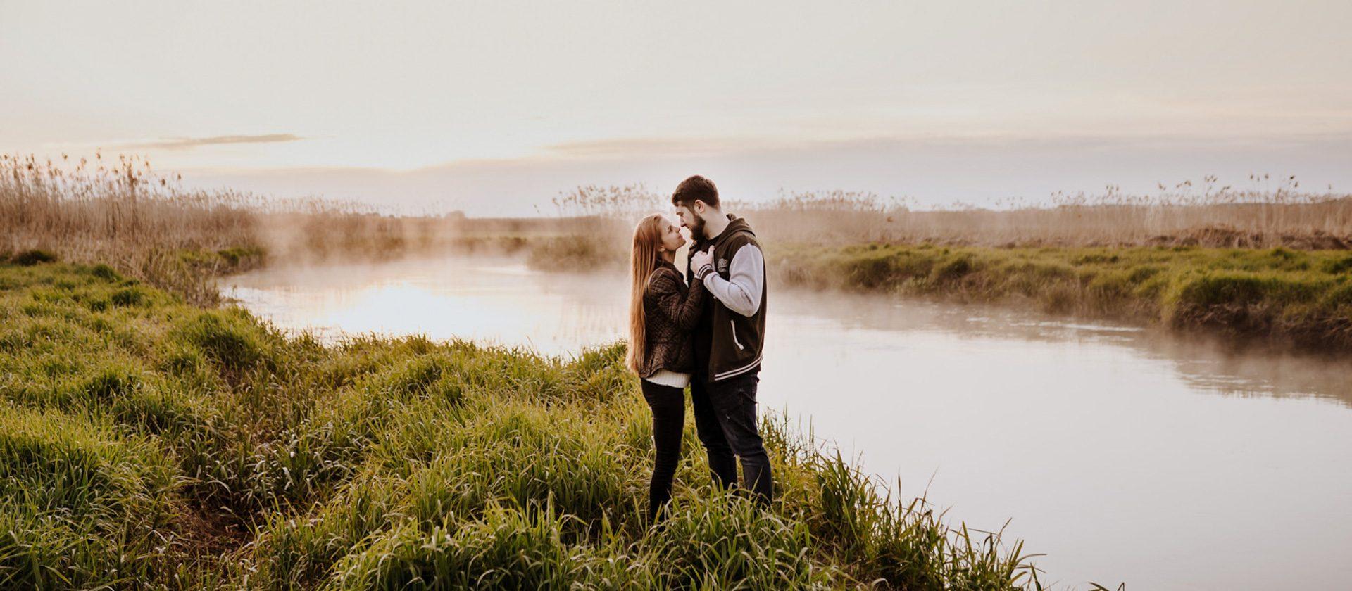 Sesja narzeczeńska o wschodzie słońca – Natalia i Maciej